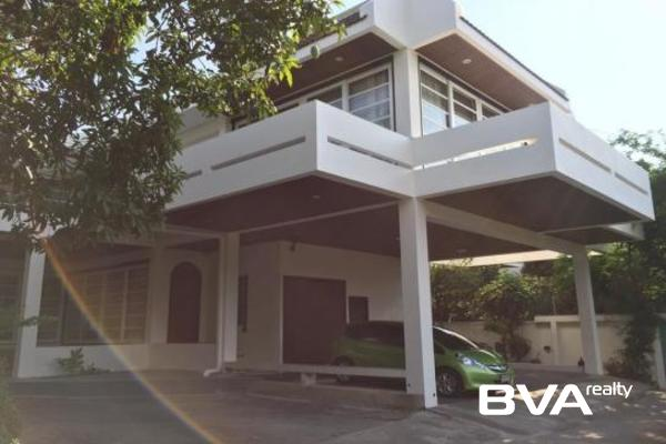 Bangkok House For Rent Phra Kanong
